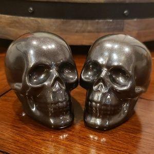 Skull salt and pepper shakers Halloween